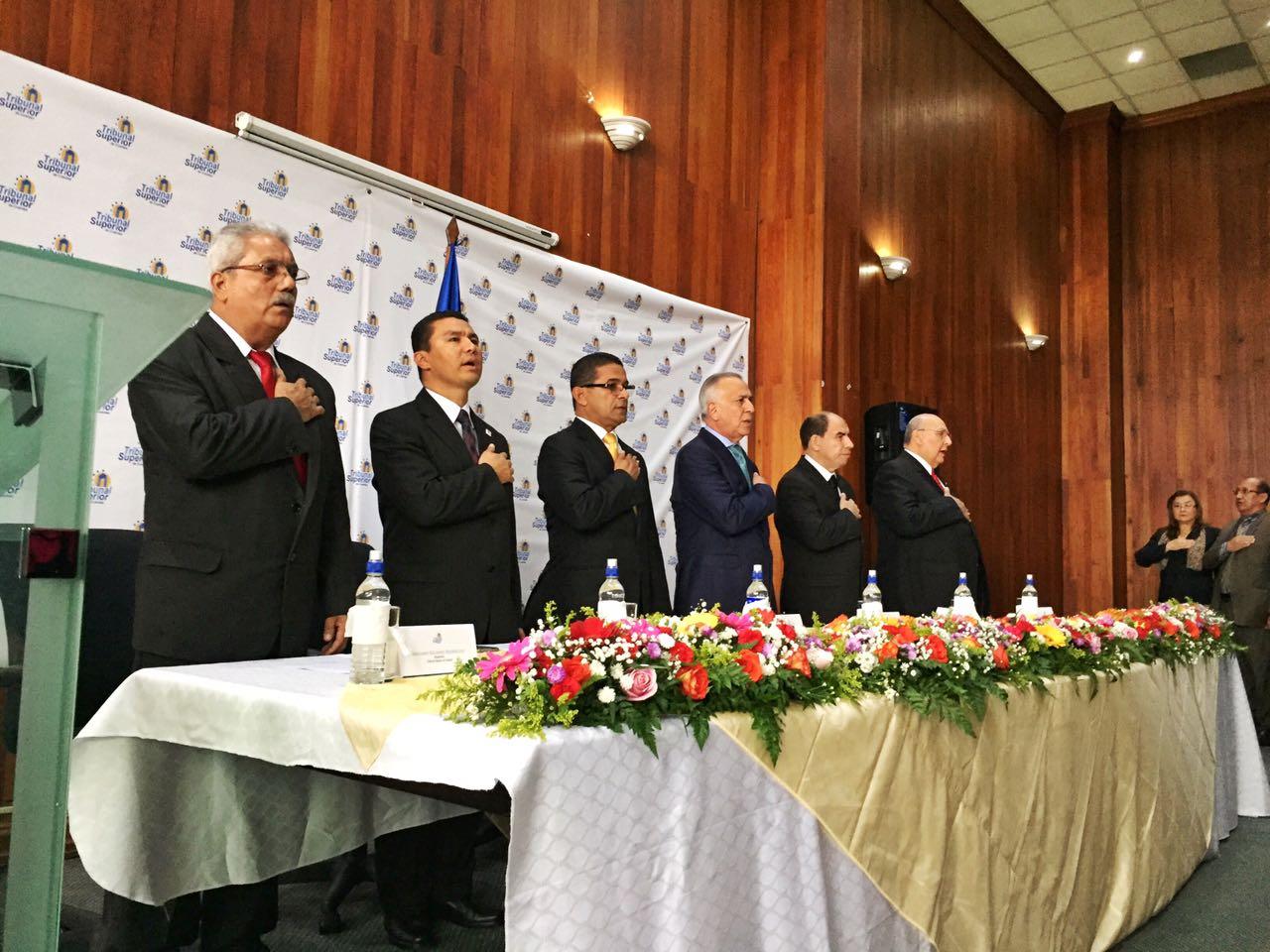 En una ceremonia se celebró ayer la Toma de Posesión de los nuevos magistrados del TSC.